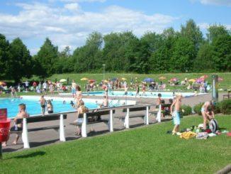 bilden föreställer Valkebobadet i Vikingstad nära Linköping