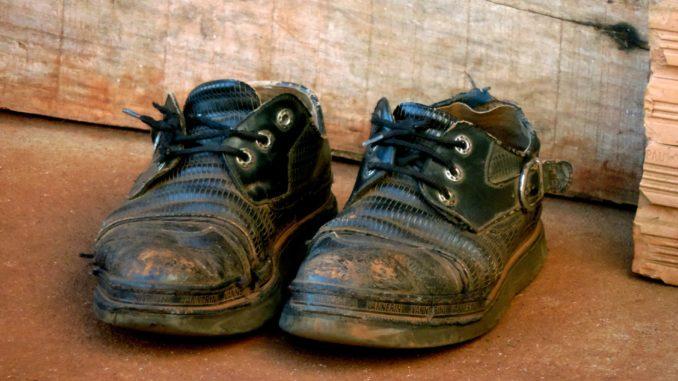 second hand loppis skor åtvidaberg