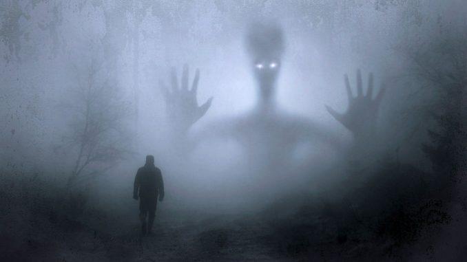 föreställer Spökvandring på Ekenäs slott